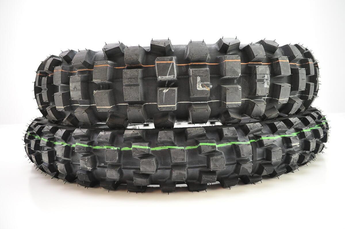 Dunlop D606 Tire Set